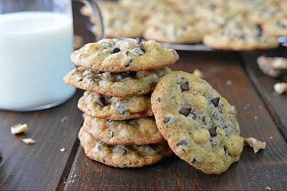 Cookies con gocce di cioccolato e noci