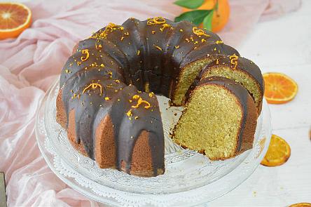 Bundt Cake all'arancia con farina integrale e miele