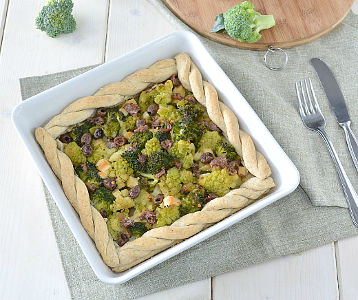 Crostata rustica con broccoletti e alici