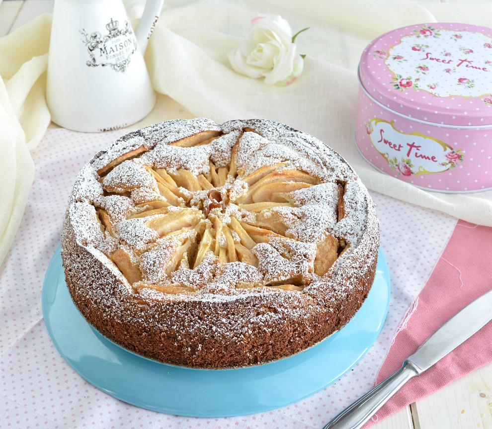 Torta morbida alle mele con farina integrale e miele