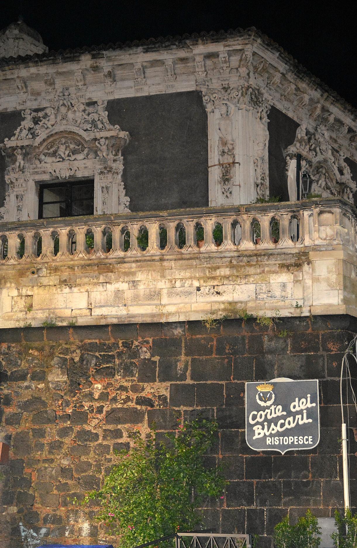 Corte dei Biscari nel cuore di Catania e la festa delle attività in proprio