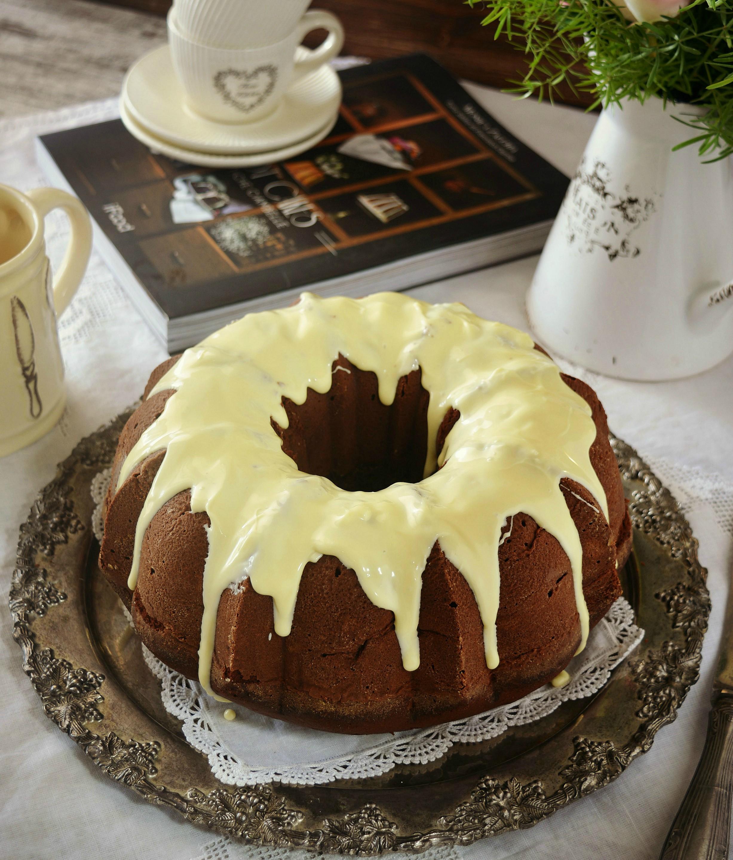 Bundt cake pere e cioccolato