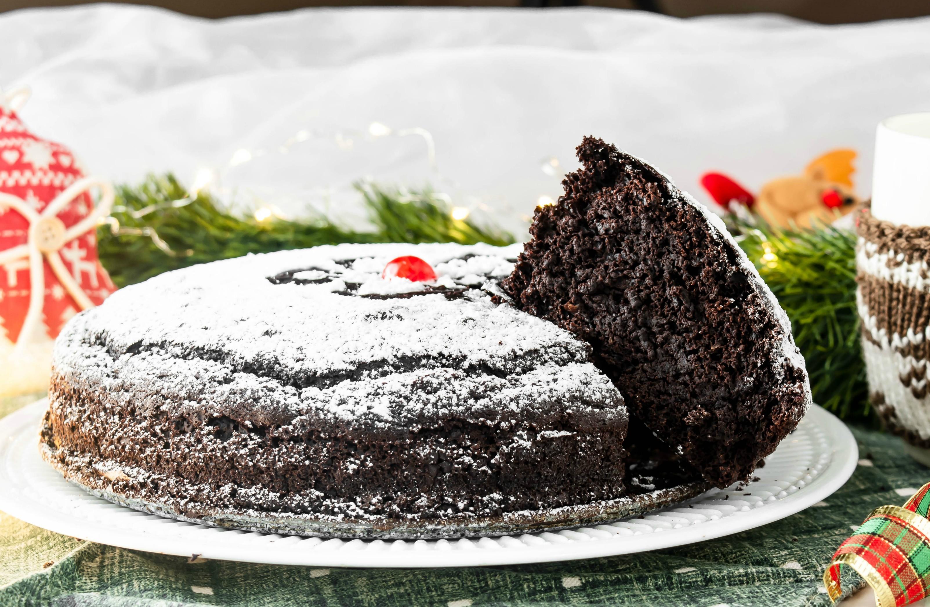Torta al cioccolato profumata senza uova e lattosio